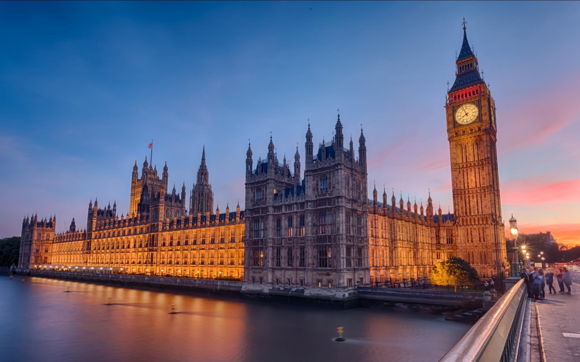 london_parliament-1920x1200